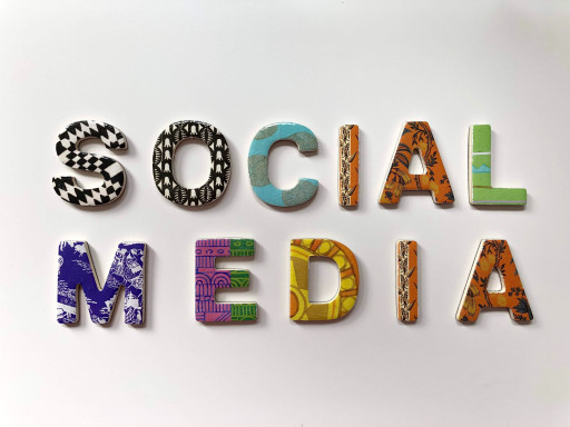 Créer du contenu engageant sur les médias interactifs