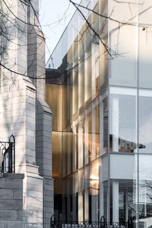 Le Centre de design de l'UQAM présente Entrer en interférence : cinq architectures en Belgique / cinq architectures au Québec