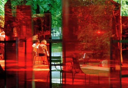 Le Centre de design de l'UQAM présente l'exposition ÉCRAN TOTAL : Viralité, Simulation, Surveillance, Implosion